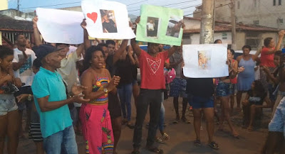 Feira de Santana, Familiares de jovem que morreu suspeita de dengue faz protesto em frente à policlínica