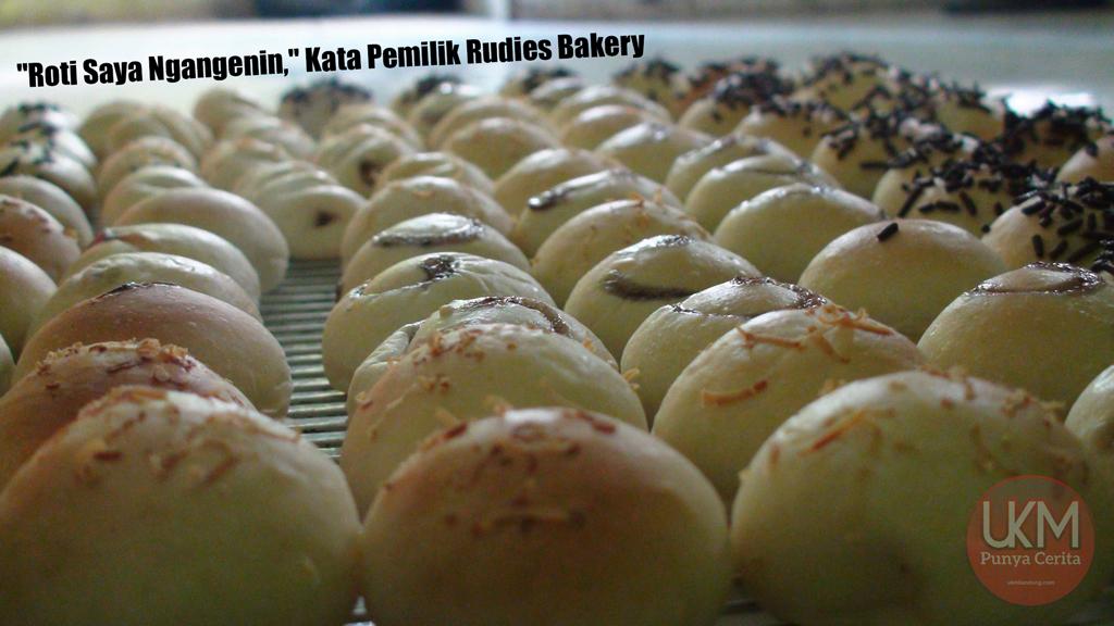 Roti yang diproduksi oleh Rudies Bakery