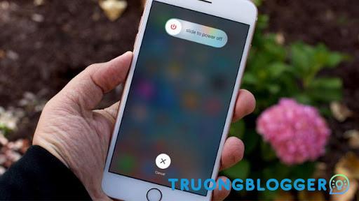 Hướng dẫn khởi động lại iPhone khi máy bị treo
