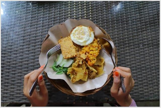 Pecel Kawi Hj. Muslihah;10 Top Kuliner Malang