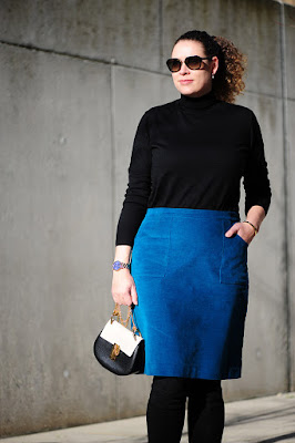 https://seaofteal.blogspot.de/2017/11/teal-black-velvet-skirt-knipmode-032016.html