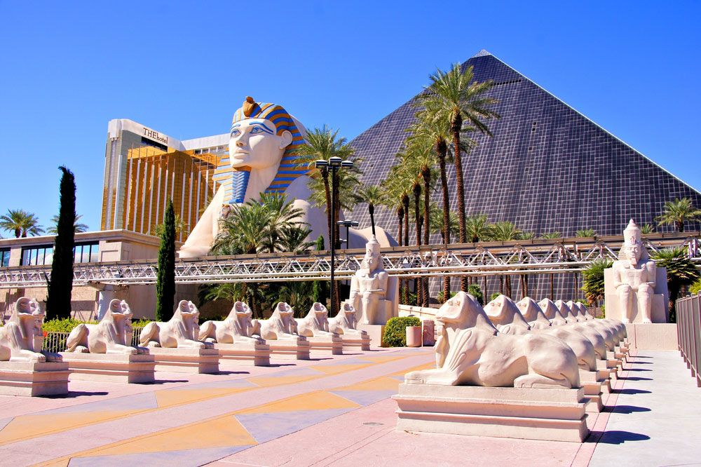 The Pyramid Hotel on the Vegas strip - Review of Luxor ...
