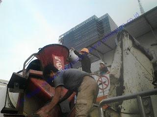 waterproofing integral ini diciptakan atas dasar sifat beton pada umumnya dalam kondisi normal tidak bersifat kedap