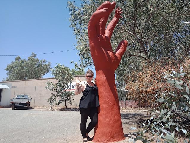 Alice Springs BIG Hand
