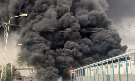شهدت المنطقة الصناعية بقابس صباح اليوم السبت 13 مارس 2021 انفجار صهريج في معمل الزفت، وحسب المعطيات الأولية، فقد تم تسجيل حالة وفاة، حسب ما أكده مصدر من الحماية المدنية.