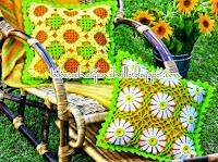 http://crochetesquemas.blogspot.cl/p/cojin-9.html