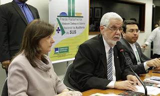 Solla cobra declaração de emergência de saúde por óleo no Nordeste
