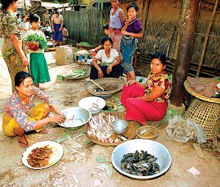 Market in Mogok