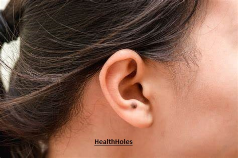 Know The Early Symptoms Of Ear Cancer - Health Holes