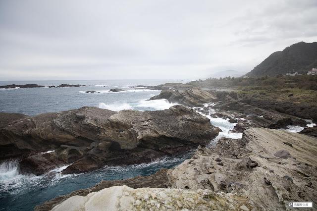 【大叔生活】2021 又是六天五夜的環島小筆記 (上卷) - 太平洋海浪拍打岸邊礁石的景象讓人印象深刻