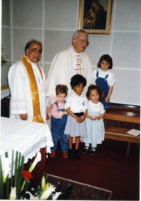 Il patriarca Marco Cè con don Silvio Zardon celebrano messa in Casa Famiglia San Pio X