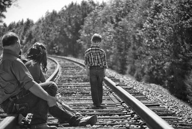Quando os pais reforçam a má educação dos filhos.