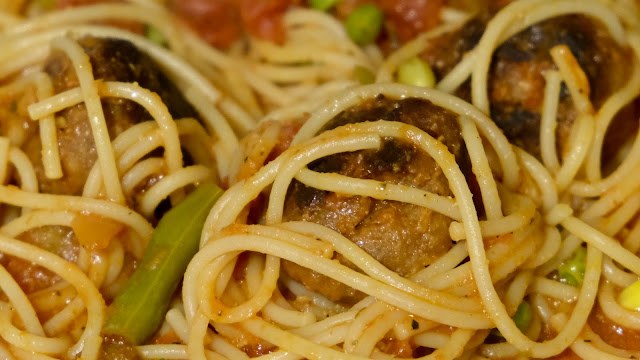 Plant Chef Meat Free Balls in tomato sauce with spaghetti