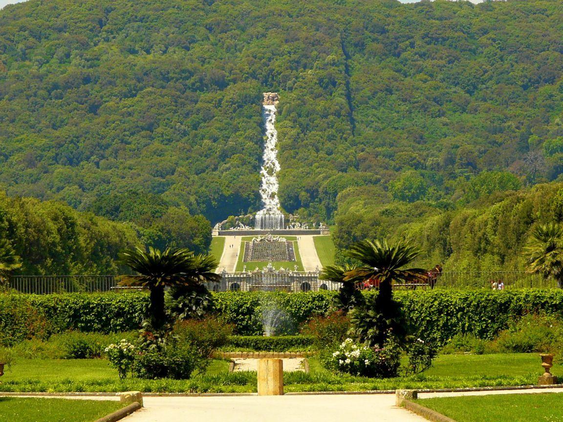 TOP WORLD TRAVEL DESTINATIONS: Caserta, Italy