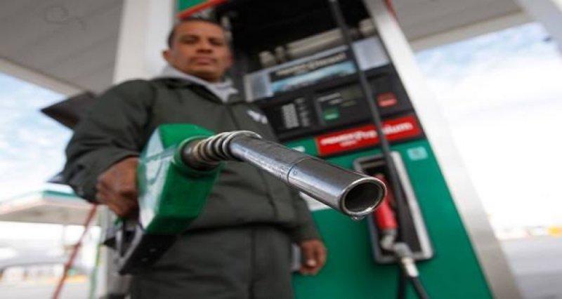 Diputados aprueban sancionar como delito grave vender litros de gasolina incompletos