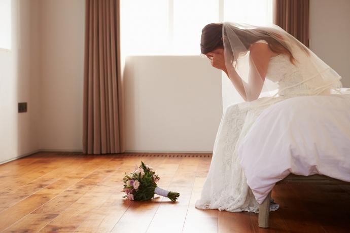 Amante invade casamento