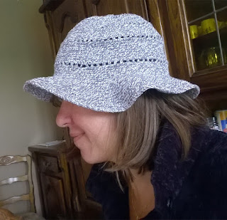 Joli chapeau d'été réalisé au crochet