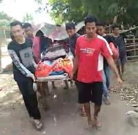Akses Jalan Sempit, Warga Sapaga Harus Menggotong Jenazah Menuju Rumah Duka