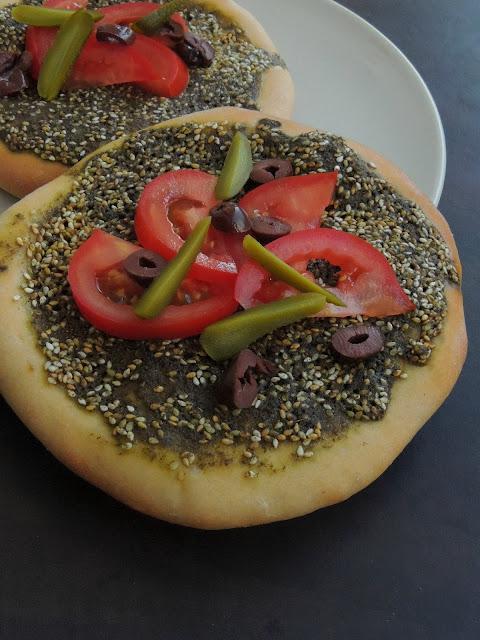 Zaatar Pizza, Manoosheh