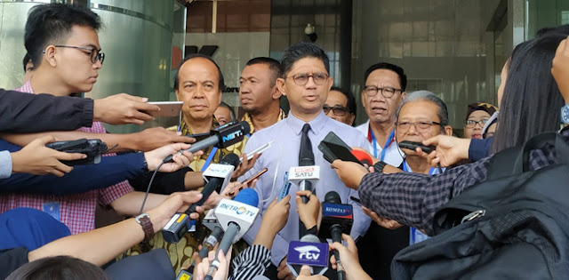 Jokowi Teken Surpres Revisi UU, KPK: Pemerintah Dan DPR Berkonspirasi!