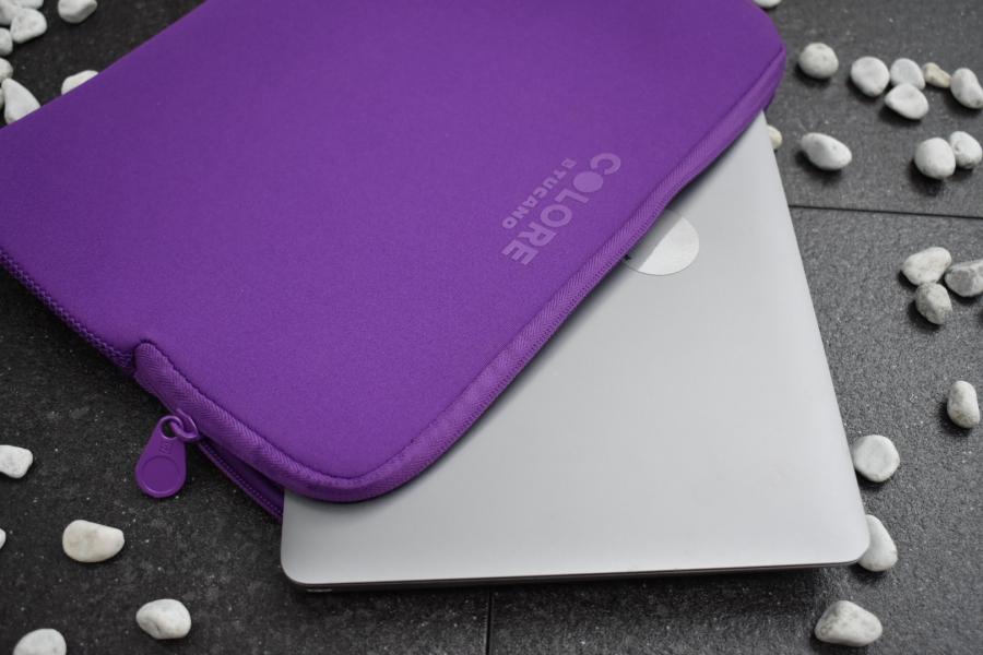 Minimalistisch & bunt: Laptop Sleeves von Tucano*