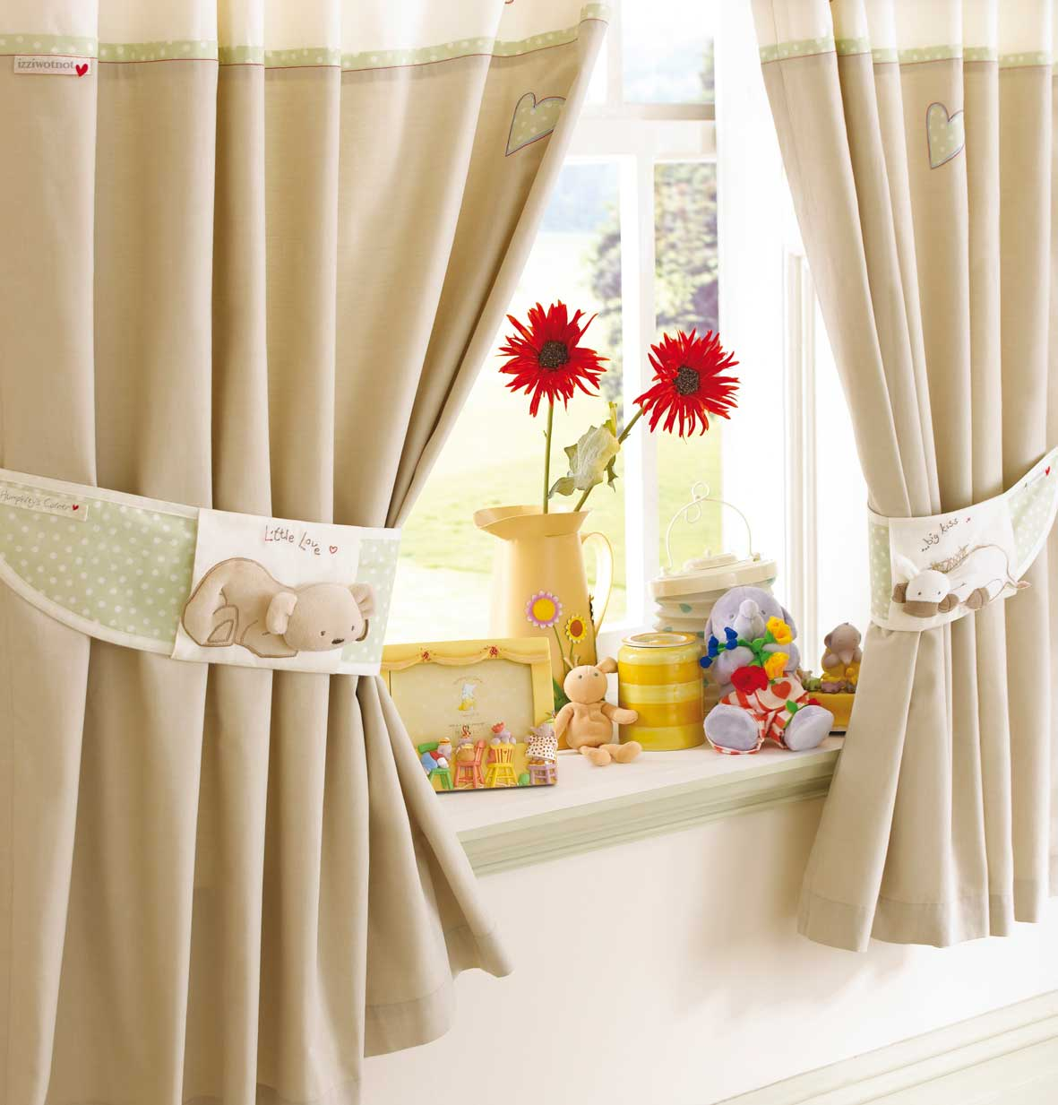 hreys bedtime curtains a tie backs