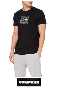 Camiseta con estampado tipografico