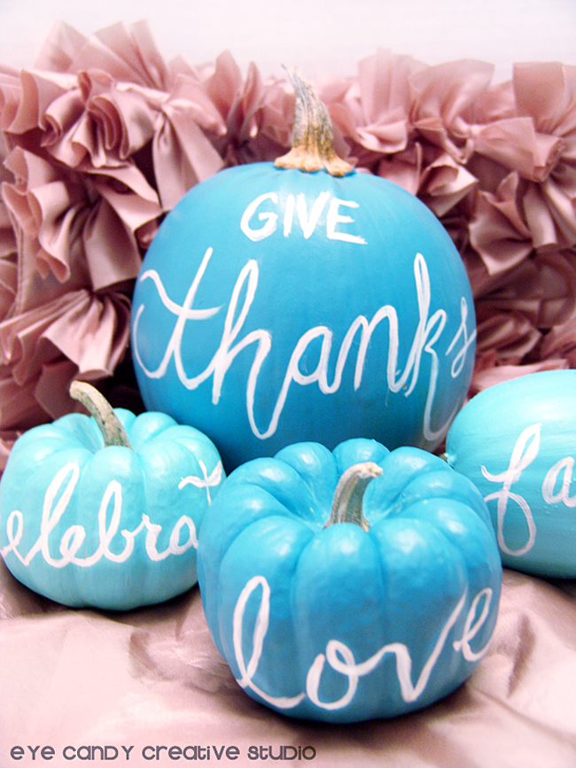 painted hand lettered pumpkins for thanksgiving, DecoArt patio paint
