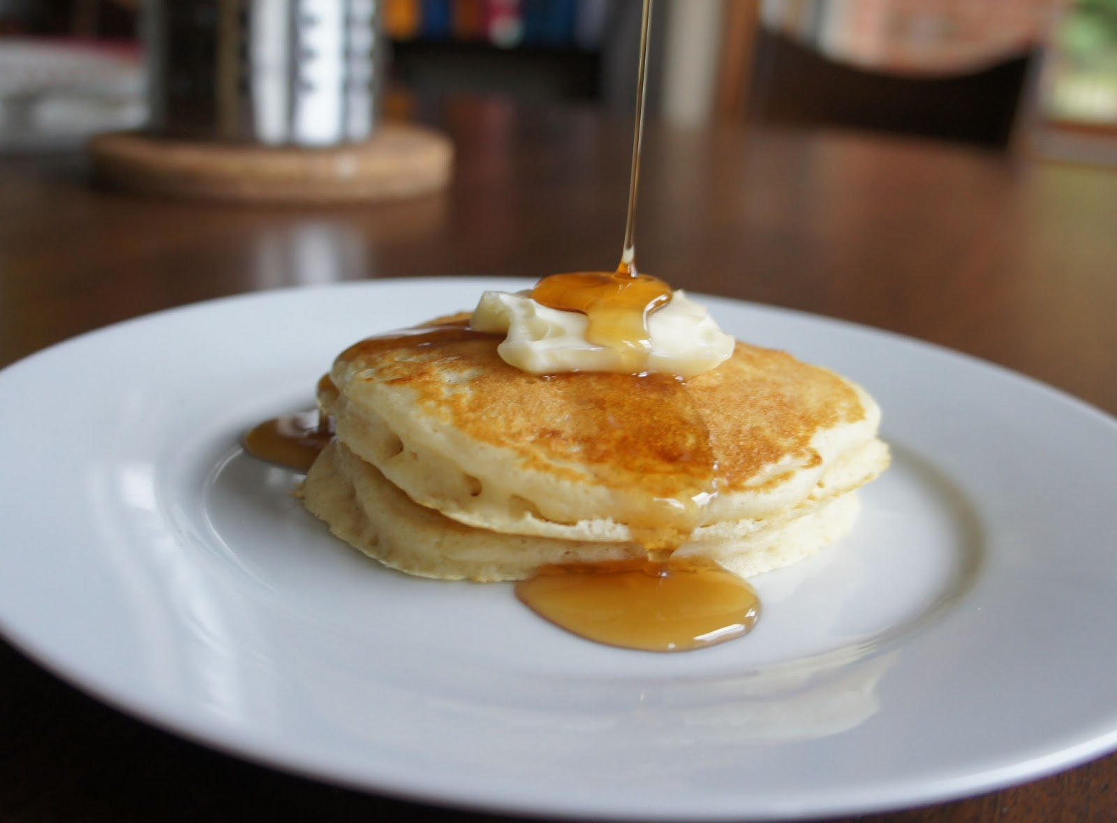 The Modern Housewife: Sunday Morning Pancakes