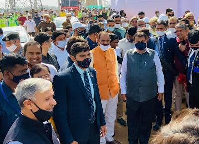 Gadkari inspects Dwarka Express Way, asks to expedite construction work