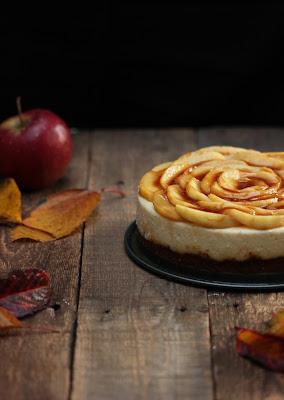 Délicieuse recette d'un cheesecake aux pommes et au caramel aux couleurs de l'automne !