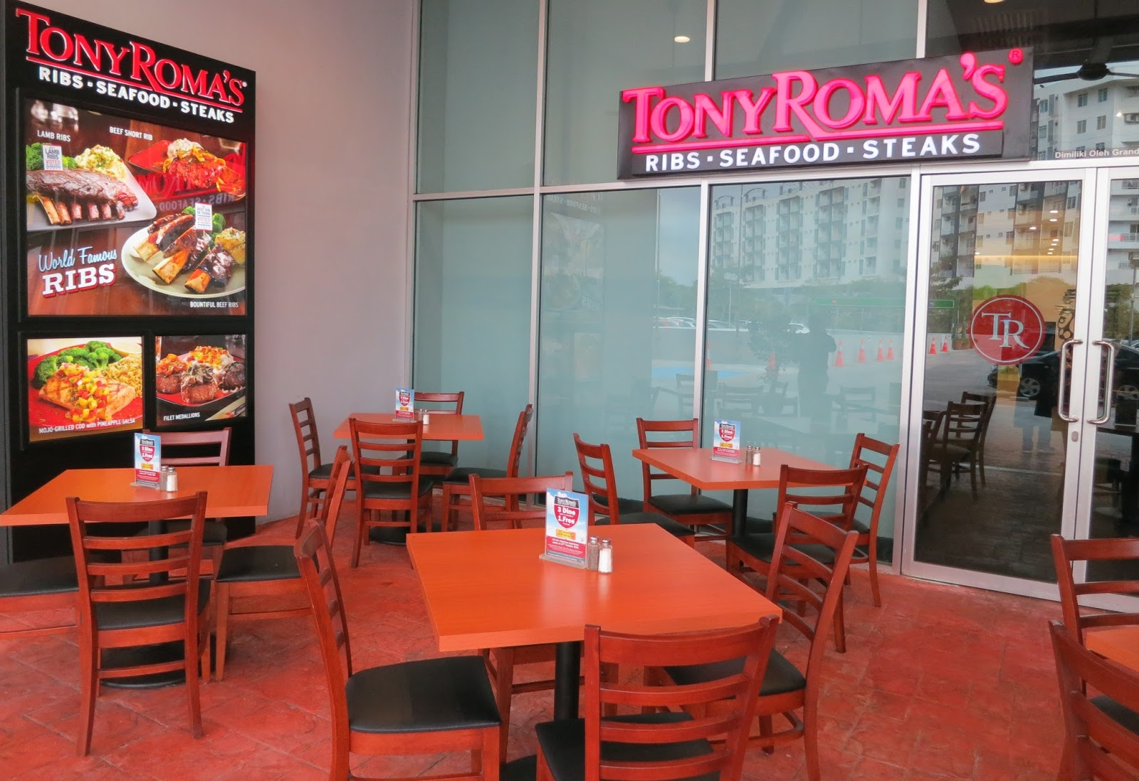 Peggy Loh ~ My Johor Stories: Tony Roma\'s now opened in Tebrau City!