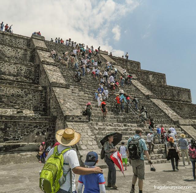 Escadaria na Cidadela de Teotihuacán, México