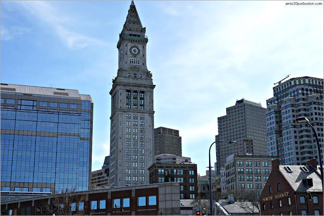Custom House Tower y Quincy Market, Boston