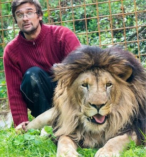 Czech Man attacked to death by his pet lion