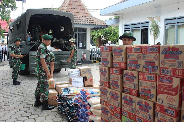Brigif Raider 9 Kostrad Berikan Bantuan Kemanusiaan Untuk Korban Banjir Jabodetabek