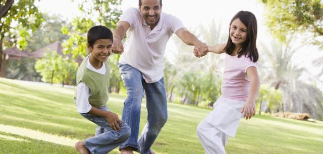 قضاء الأب وقت أطول مع الأبناء يزيد معدل الذكاء لديهم
