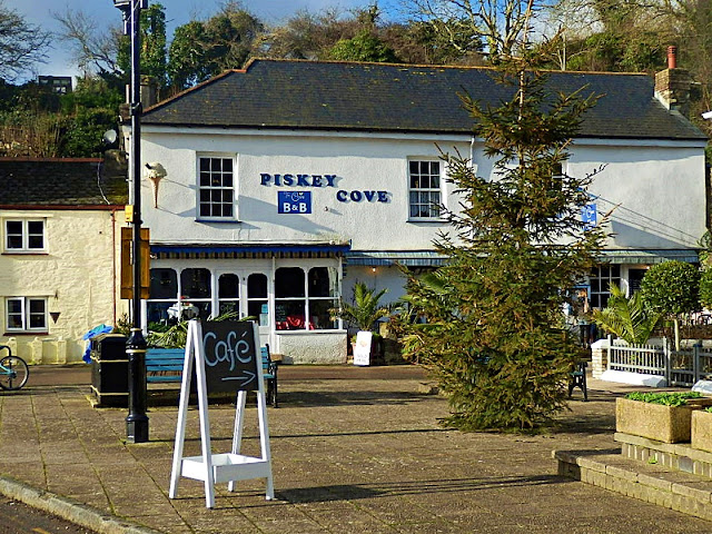Pentewan, Cornwall, Piskey Cove