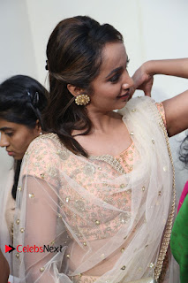 Actress Tejaswi Madivada Anoos Franchise Salon and Clinic Launch  0015.JPG
