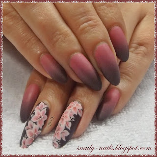 http://snaily-nails.blogspot.com/2017/04/nietypowe-duo.html