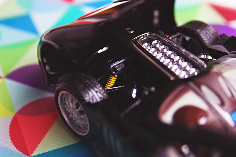 1/18 Bburago Peugeot 907 V12 Concept