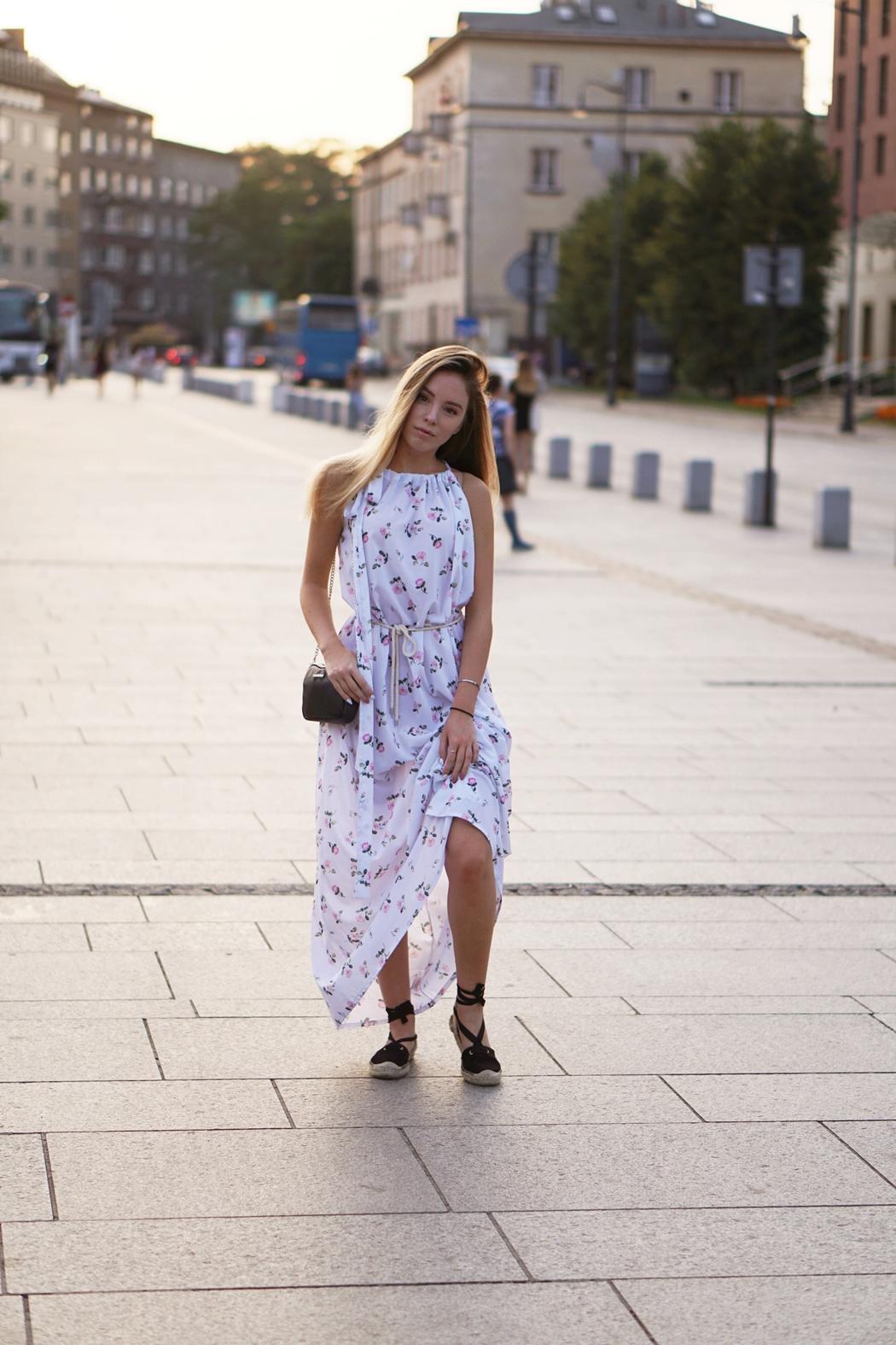 Edyta Górniak x Naoko | Biała sukienka w kwiaty