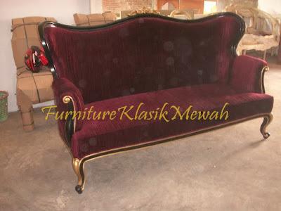 furniture klasik mewah,toko jati,jual sofa klasik jok merah,sofa duco hitam,sofa ukiran jati jepara mewah,mebel ukir jepara,mebel jati jepara,jual mebel jepara.