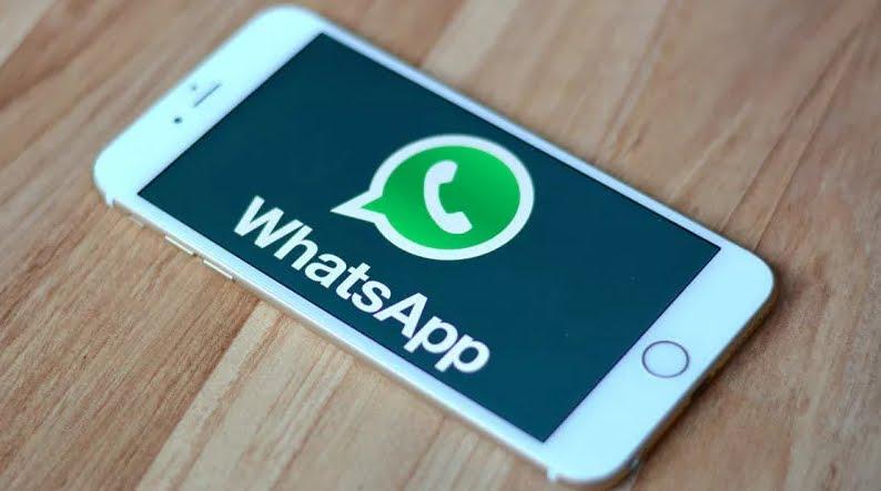 Chat Whatsapp non si paga e non va rinnovato cliccando un link.