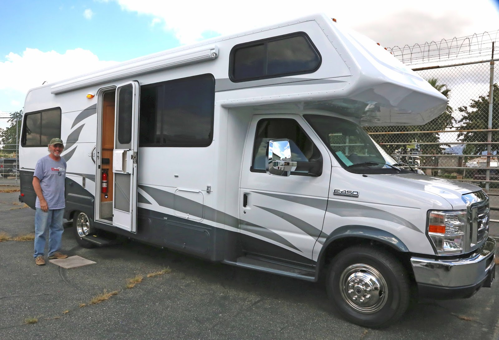 Tom and Kristen's Great RV Adventure: New Motorhome and