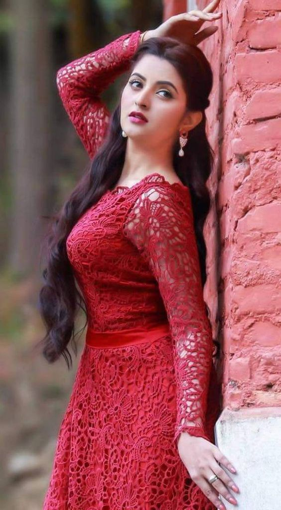 Beautiful red dress of a girl Hd dp for fb