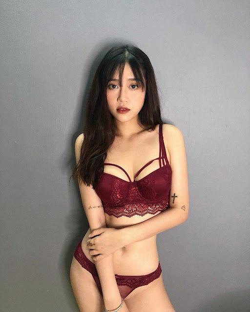 Nhức mắt với thân hình nóng bỏng tuổi đôi mươi của nữ hot girl streamer!
