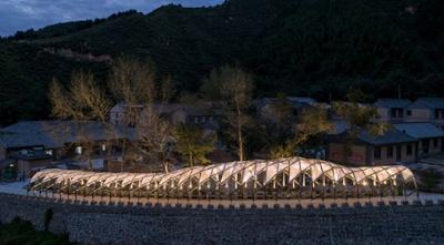 Jembatan Indah Inspiratif dari Kayu Bekas