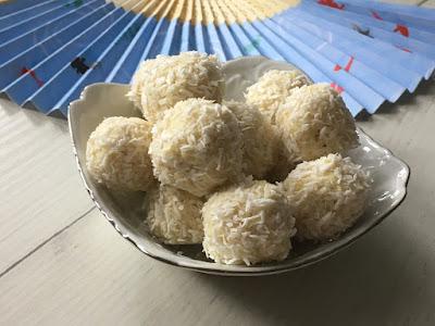 Zdrowe rafaello z kokosem i migdałami