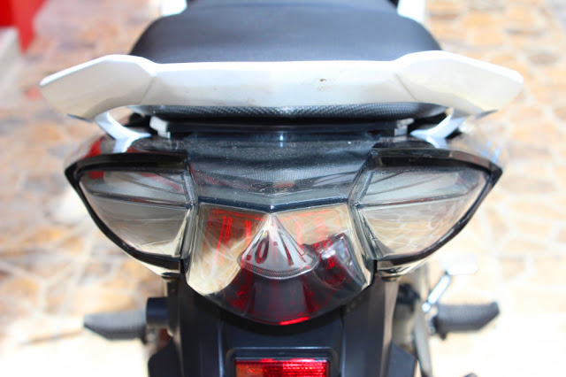 Sơn xe Exciter 2011 trắng đen cực đẹp